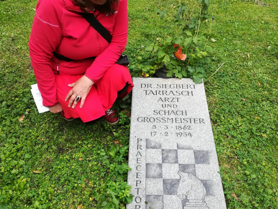 Das Grab von Tarrasch noch gut gepflegt