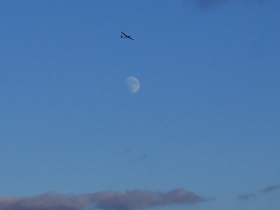 über den Wolken... und Mond