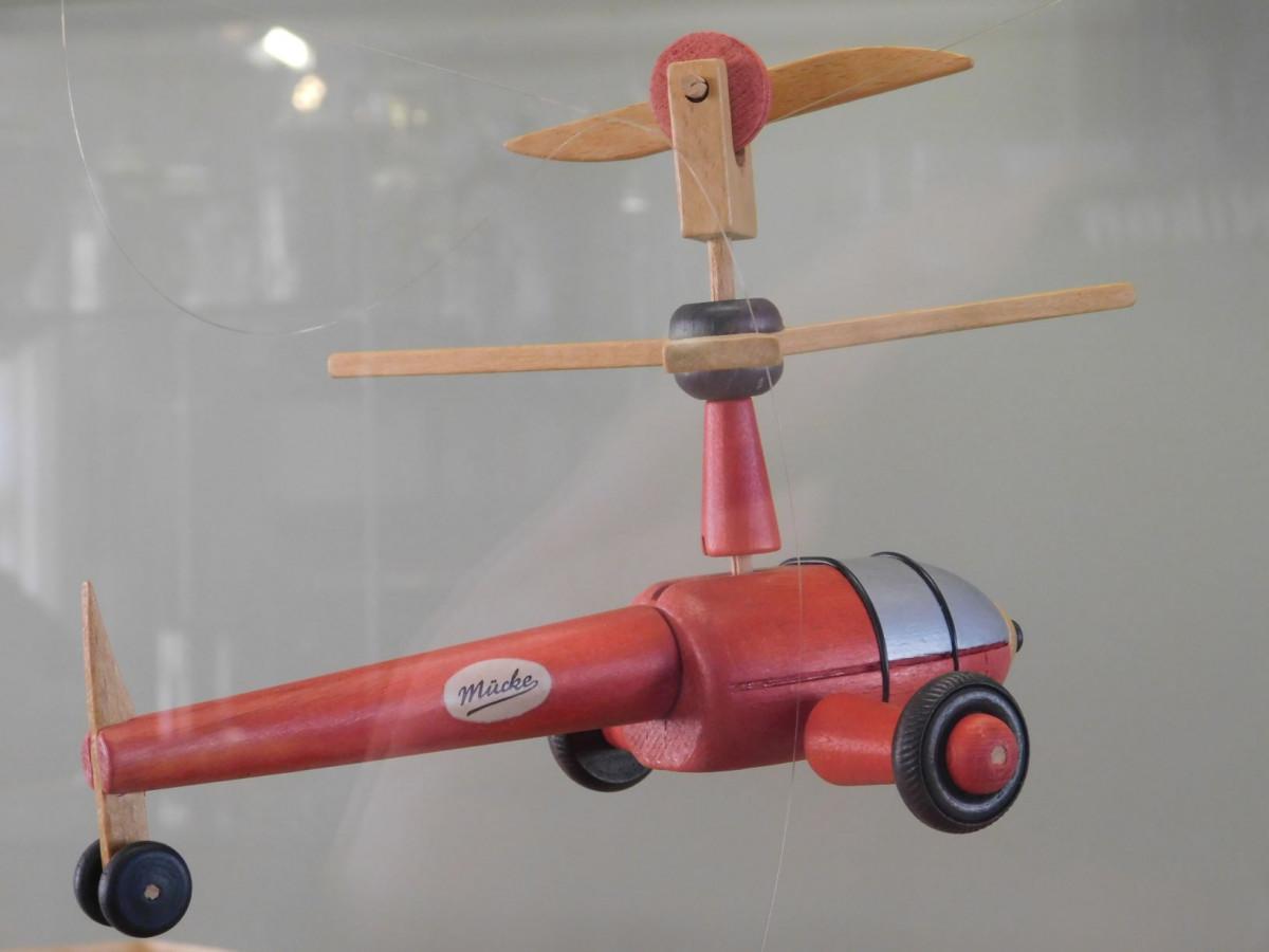 die Mücke, ein ehemaliges DDR-Spielzeug, erbaut ca. 1963, ob das wohl noch jemand kennt?