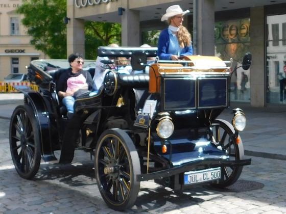 Auto oder Kutsche???